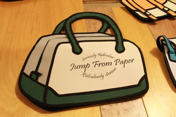 JumpFromPaper 漫畫包 2D包 in womany.net