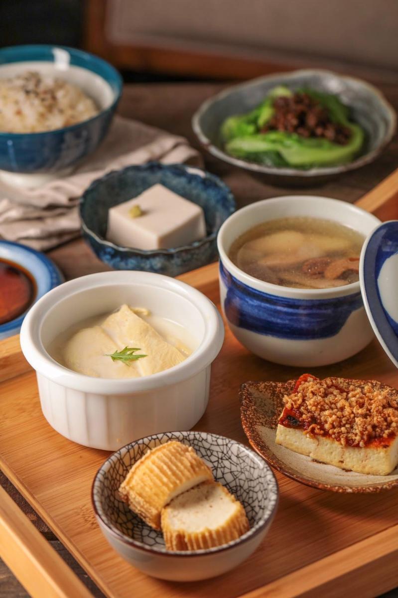 台北5間「蔬食餐廳」推薦!素食滷味、早午餐、蔬食漢堡、日式料理都超美味-2