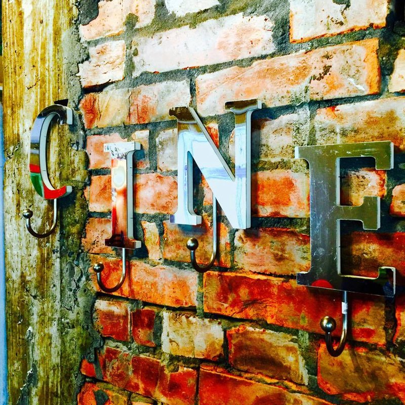 美軍宿舍也能喝咖啡?這五間隱藏在陽明山上的咖啡廳,讓時光凝縮在斑駁的老牆面-4