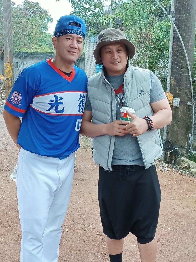 經歷了20多年截然不同的人生,曹錦輝與林英傑,如今仍然是好友。