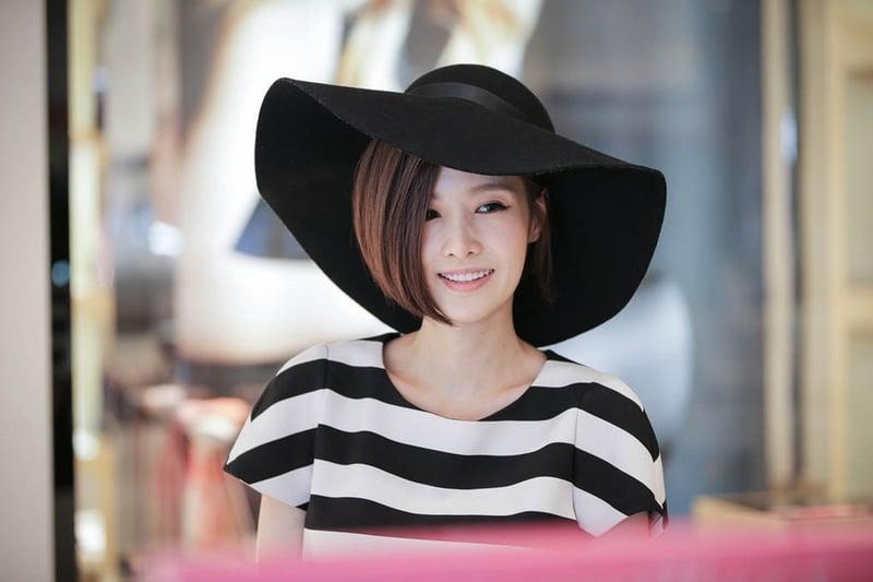《主君的太陽》飾演太伊玲的金釉利,俐落的短髮相當迷人!