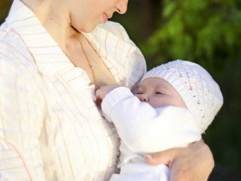 法國女性出租乳房餵乳一天100歐元