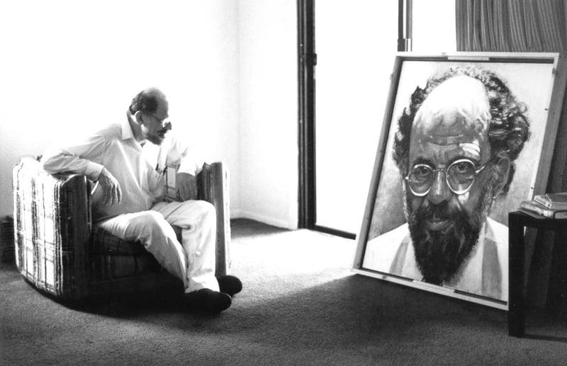 金斯堡望著自己的畫像,恰如他在《加州超市》裡與惠特曼相對照。