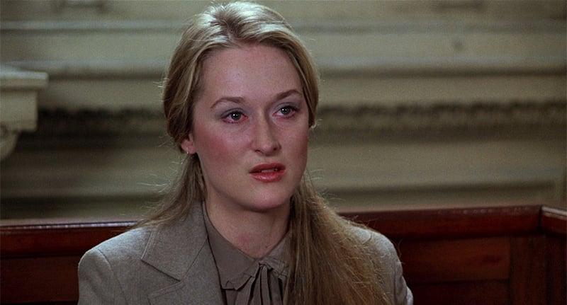 梅莉飾演追尋自我拋家棄子的喬安娜,為了爭取兒子撫養權在法庭和前夫打官司