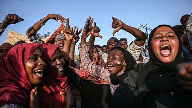 蘇丹軍事鎮壓那一天,我眼睜睜看著少女被強暴:她們不斷尖叫哭泣|性別 ...