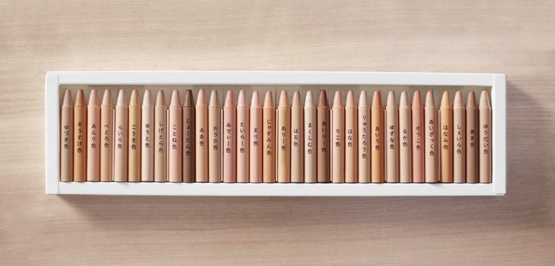 蠟筆寫上了每位同學的名字,學生們打開蠟筆時都為擁有自己獨一無二的顏色而十分興奮。(R/GA)