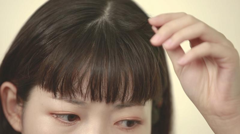 夏天悶熱的天氣令頭髮容易變得扁塌