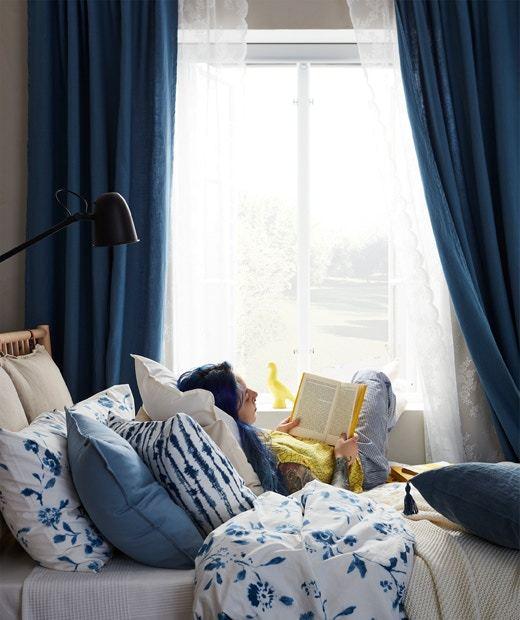 睡房的平衡同時反映著關係中兩人的角色,如果伴侶未有積極接納你的意見,在房間的設計上喜歡做主,那證明他具有主導性格。如果你的性格可以迎合便沒有問題,否則便應該提出不滿,讓兩人好好溝通。(IKEA)