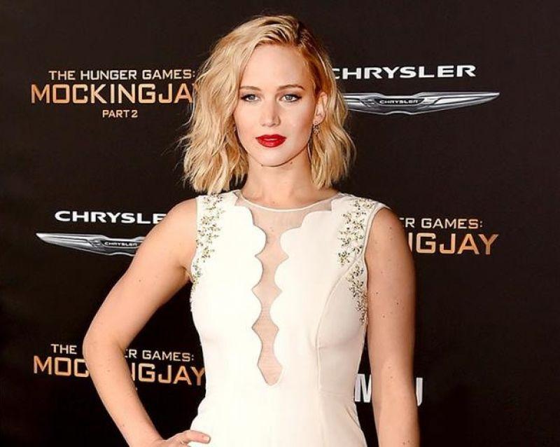 珍妮佛勞倫斯(Jennifer Lawrence):「堅強點,別當一個跟隨者,而且永遠做對的事。如果你可以選擇對或錯的事,那麼對的永遠比較少一點壓力。」
