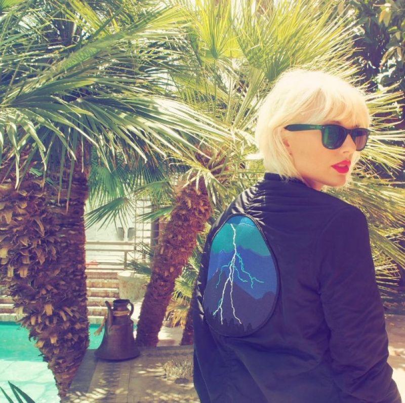 泰勒絲(Taylor Swift):「我會建議我的朋友們真的要單身一段時間,因為當你在戀愛或是和某人約會時,其實你是經由他們的眼睛來為你的生活做決定。但當你花幾年時間,完全不偏不倚的去做真正的自己,你才會搞清楚自己想要什麼。」